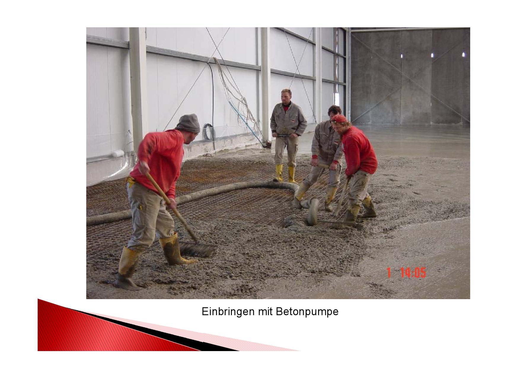 Einbringen Beton mit Betonpumpe in Lagerhalle