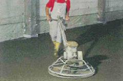 Boden wird per Laser nivelliert